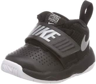 178f8f23fbb6 at Amazon Canada · Nike New Baby Boy s Team Hustle D 8 Athletic Shoe  Black White 5