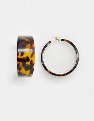 Asos Design DESIGN hoop earrings in tortoiseshell