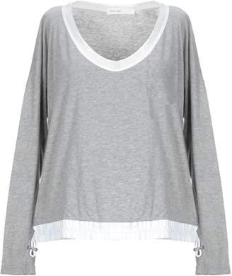 Sacai LUCK T-shirts - Item 12358473BA