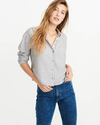 Abercrombie & Fitch Cropped Button-Up Shirt