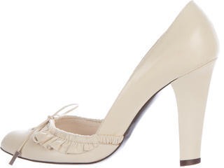 Marc JacobsMarc Jacobs Leather Bow-Accented Pumps