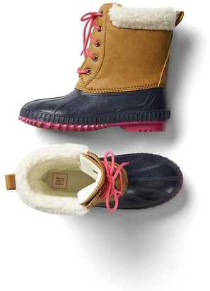 Cozy duck boots $79.95 thestylecure.com