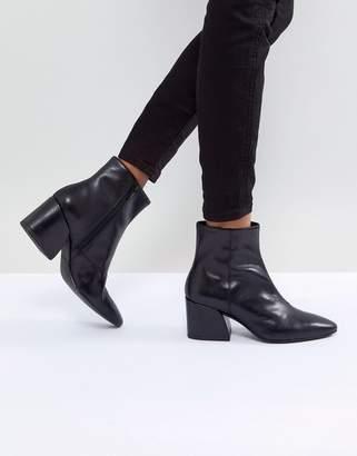 Vagabond Olivia Black Leather Ankle Boot