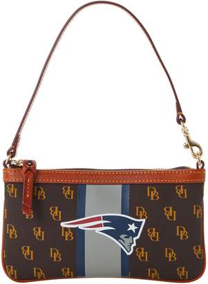 Dooney & Bourke NFL Patriots Slim Wristlet