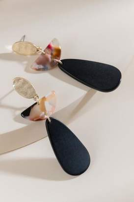 francesca's Logan Linear Drop Earrings - Black