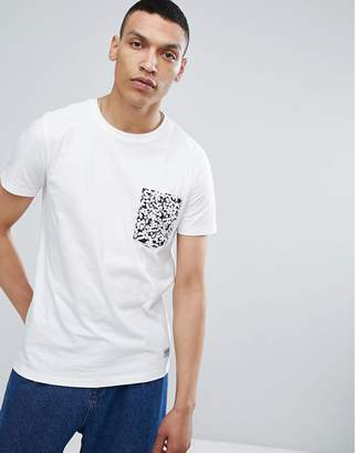 Lindbergh T-Shirt with Contrast Pocket in White