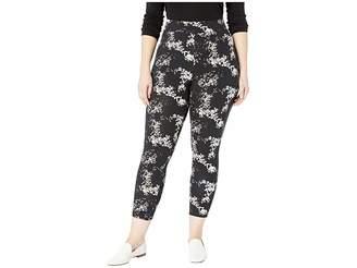 Hue Plus Size Watercolor Floral Cotton Capri Leggings