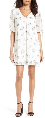 Women's Soprano Jules Split Sleeve Shift Dress $49 thestylecure.com