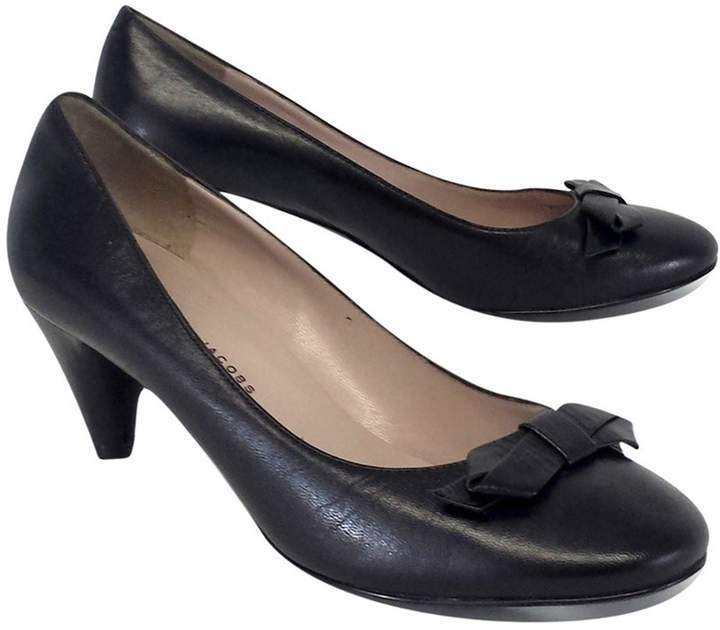 Marc by Marc Jacobs Black Leather Bow Pumps