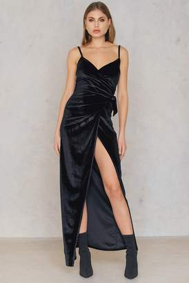 boohoo Velvet Wrap Tie Maxi Dress Black