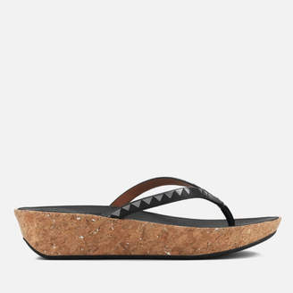 a18cc88facee69 at TheHut.com · FitFlop Women s Linny Zig Zag Mirror Wedged Toe Post Sandals