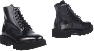 Leather Crown Ankle boots - Item 11196344SH