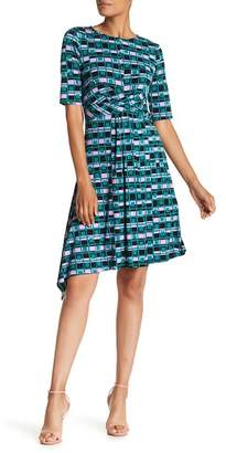 Donna Morgan 3/4 Length Sleeve Printed Jersey Dress