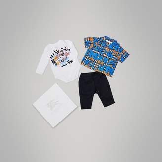 Burberry Graffiti Print Cotton Three-piece Baby Gift Set