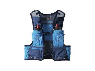 Equipment Ultimate Direction Mountain Vest 4.0