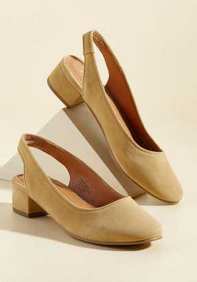 Seychelles Electric Suede Heel in Mustard in 6 $94.99 thestylecure.com