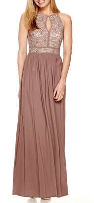 R & M Richards R&M Richards Sleeveless Lace Formal Halter Gown $120 thestylecure.com