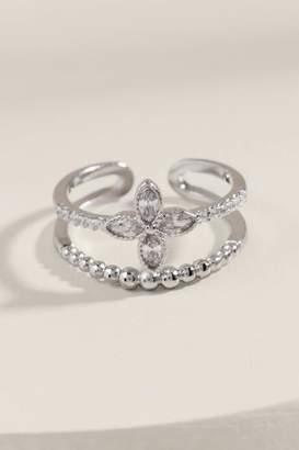 francesca's Calla Cubic Zirconia Clover Ring - Silver