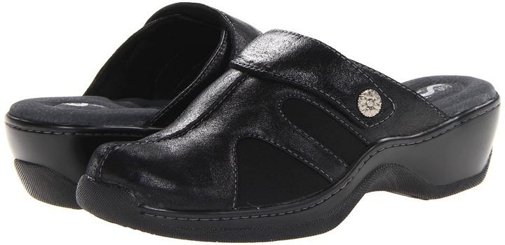 SoftWalk Acton Women's Clog Shoes