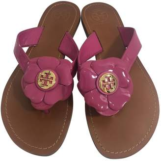 07e866d40 Pre-Owned at Vestiaire Collective · Tory Burch Leather flip flops