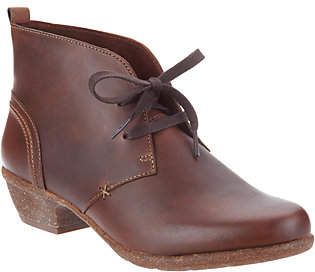 Clarks Artisan Leather Lace-up Ankle Boots -Wilrose Sage