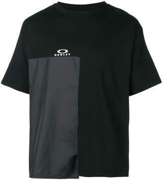 Oakley By Samuel Ross technical patch T-shirt
