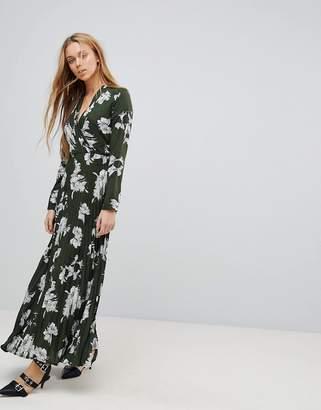 Liquorish Floral Print Maxi Dress With Pleated Skirt