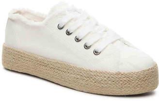 Women's Marisol Flatform Sneaker -White $50 thestylecure.com