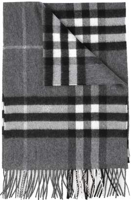 Burberry Giant Icon Scarf