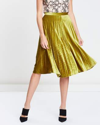 Missguided Pleated Knee-Length Skirt