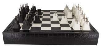 Renzo Romagnoli 32-Piece Chess Set