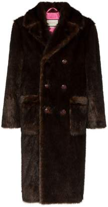 76e78a8c78c1d Gucci double-breasted faux fur coat