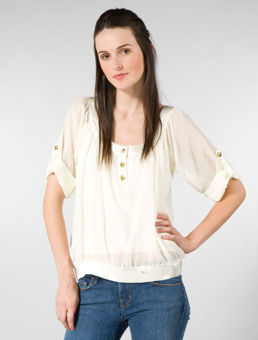 Jenny Han 3 Button Blouse in Marshmallow