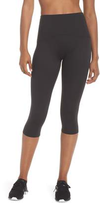 Spanx R) Active Knee-Length Leggings