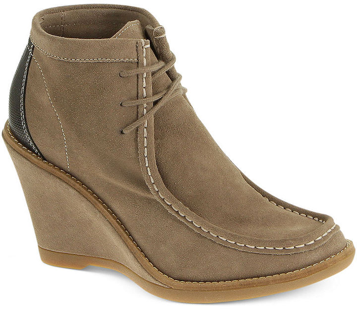 Hush Puppies Women's Cignet Lace Up Wedge Booties