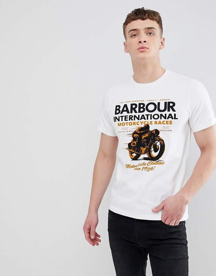 Barbour International Barbour – International Dyno – T-Shirt in Weiß