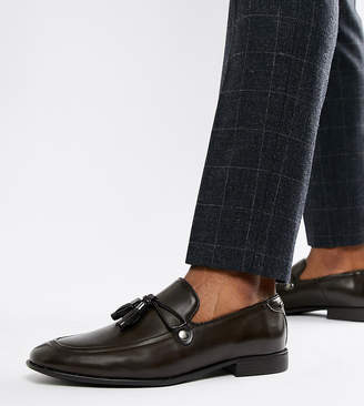 Asos Design DESIGN Wide Fit loafers in brown faux leather with tassel detail