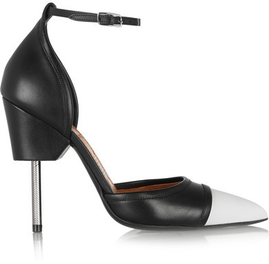 Givenchy - Graphic Pumps In Black And White Leather