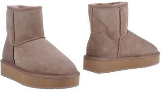 EMU Ankle boots $175 thestylecure.com