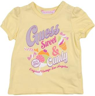 GUESS T-shirts - Item 37992587RQ
