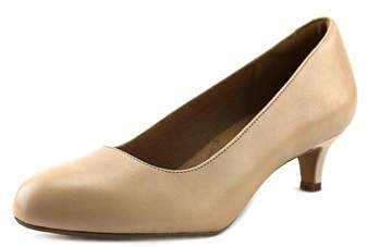 Clarks Artisan Heavenly Shine Women Round Toe Leather Nude Heels.