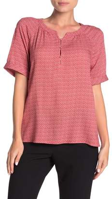 Vince Camuto Diamond Dashes Short Sleeve Blouse
