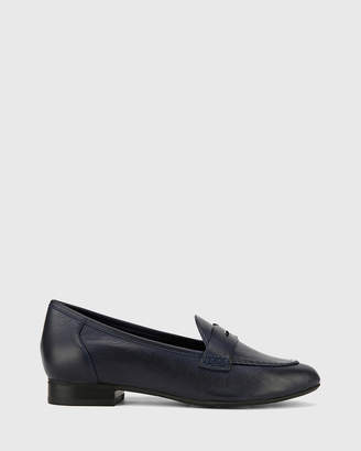 Austin Leather Almond Toe Flat Penny Loafers