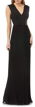 Kay Unger Sleeveless Pleated Gown