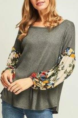 American Fit Floral Sleeve Top