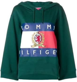 Tommy Hilfiger logo patch hoodie