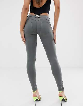 7f375c121ba953 UP shaping effect mid rise snug stretch push up jegging