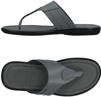 Doucal's Toe strap sandals