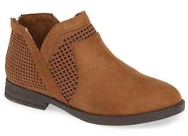 Kenneth Cole Reaction Wild Westy Perforated Bootie