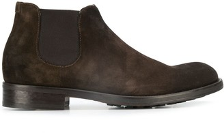 Doucal's slip-on suede chelsea boots